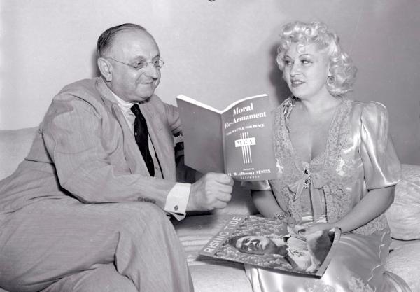 1939-Aug-19_Mae_Frank_Buchman